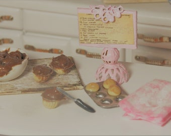 Chocolate Cupcake Baking Scene 1:12 Dollhouse Miniatures