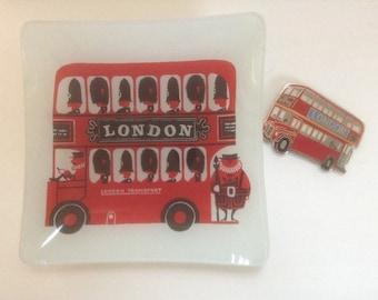 London Transport Bus Dish & Magnet Two Pieces Double Decker Kenneth Townsend England Beefeater Vintage Memento Gift Teacher