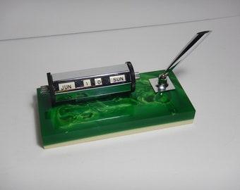 Perpetual Desk Calendar Silver Tone-Faux Malachite Green & White Lucite Base-Pen Holder