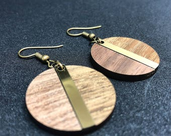 Round earrings, wood and acrylic