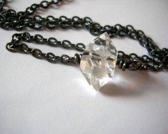 Rohen Herkimer Diamant oxidiertem silbernen Anhänger. Rohen Herkimer heilende Kristallhalskette.
