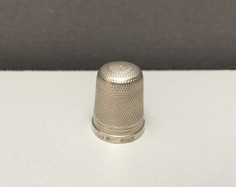 Sterling Silver Hallmarked Vintage Thimble Sewing Accessory