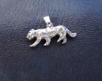 Jaguar with Chain