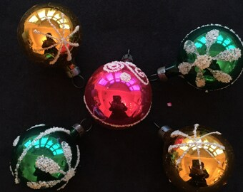 Set of 5 vintage small glass baubles with 'snow' decoration