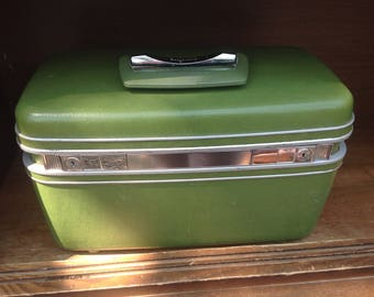 sale Vintage Samsonite Saturn Avocado green train case