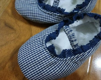 Cotton crib girls shoes, wedding, birthday, holidays, elastic, lace trim, baby girl shoes.