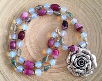 Women's necklace, women Christmas gift, wife Christmas gift, sister Christmas, girlfriend Gift, rose pendant, romantic necklace, agate beads