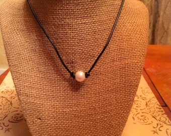 Leather & Freshwater Pearl Necklace