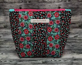 Floral zipper pouch/patchwork makeup bag/Red flower accessory/cosmetic bag/craft bag/Red and pink flowers.