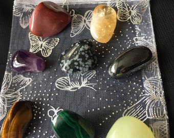 TRAVELLERS FIRST AID. Healing crystals for the traveller.