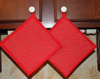 Set 2 Handcrafted Quilted Oversized Potholders Hotpads Trivets, Mini Hearts, Valentine