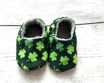 St. Patrick's Day Shoes, Clovers, Lucky Charm, Baby, Infant Shoes, Gender Neutral, Booties, Crib Shoes, Green, Irish