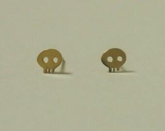 10K Gold tiny skull stud earrings, solid Gold, 10k real Gold - TG037