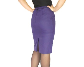 80s pencil skirt. Purple black houndtooth. Vintage skirt. Office skirt. Knee length skirt. Mad Men fashion. Size Small. Spring fashion