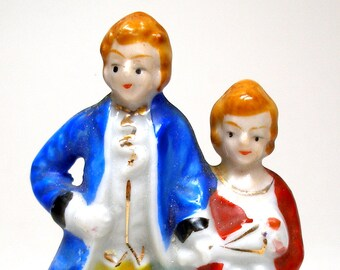 50's figurine, Colonial couple made in Japan, porcelain, china.