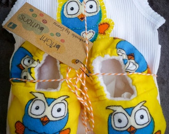 Giggle & Hoot baby gift set: Applique singlet size 000, booties/ slippers size 0-6 months. Owl, boy, girl. Christmas gift!
