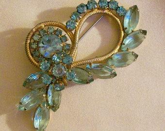 D&E Juliana Style Pale Blue Rhinestone Floral Bouquet Brooch Ribbon Pin Delizza Elster Vintage Costume Jewelry