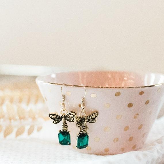 Bee Earrings, Dangle Bee Earrings, Bee Charm, Bumble Bee Jewelry, Honeybee Jewelry, Gift for her, Bee Earrings, Gold Bee Earrings, Emerald