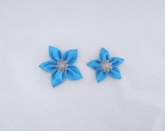 Set of 2 turquoise satin flowers