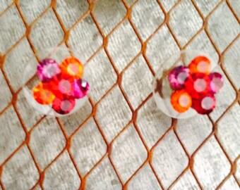 Stud Earrings with flower pattern
