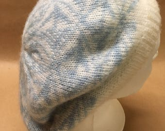 Knit Beret--- Blue and White-- Everitt Tam--- Vintage Knit Wool Hat---Cute Tam