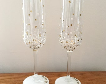 White Champagne Anniversary Flutes With Gold