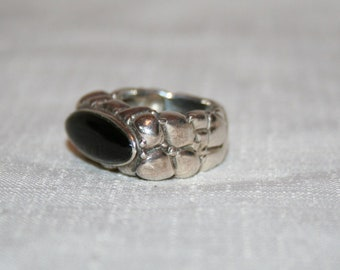"SIlver Nugget Ring with Onyx Stone ""Size 8"""