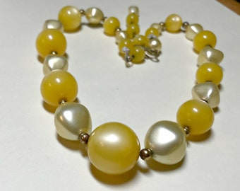 Vintage yellow and pearl choker necklace, 15 to 17 inches, yellow lucite necklace, faux pearl necklace, moonglow lucite necklace, 1950s-60s