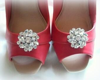 Bridal shoe clips etsy rhinestone shoe clipswedding shoe clips crystal shoe clips bridal shoe clips junglespirit Choice Image