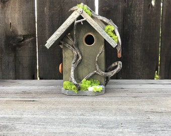 Birdhouse Handmade Cedar Wood Hand Painted Outdoor Bird House White & Green, Manzanita Driftwood Birdhouses, Item #600492648