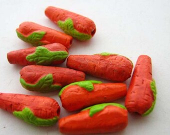 10 Tiny Carrot Beads - CB177