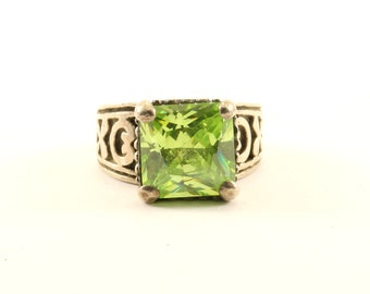 Vintage Beautiful Green Peridot Scroll Design Ring 925 Sterling Silver RG 1603