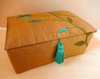 Embroidered trinket box, taffeta box, green trinket box, green decorative box, patterned lined box, jewellery box, keepsake box