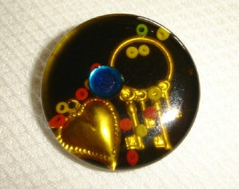 Cold Enamel Treasure Button - Heart and Keys under clear plastic Button