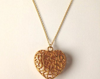 Gold-plated 3D heart pendant necklace