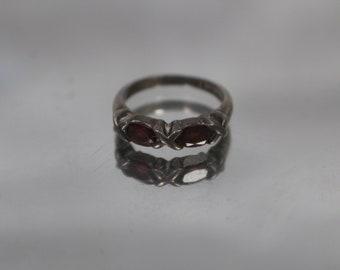 925 - Vintage X & O Garnet Love Ring Band in Sterling Silver