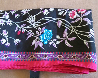 "Vintage 80's ""OBLONG SCARF"" Shocking Pink and Black Floral Pattern  Made in Korea"
