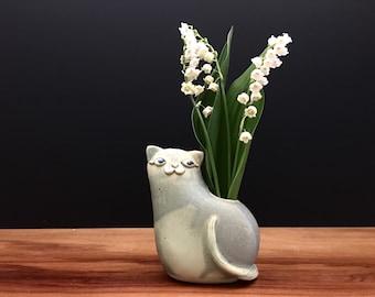 kitty cat vase ONE / bud vase / air plant vase / antique jade / price for one kitty cat