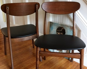 DANISH MODERN CHAIRS Midcentury Walnut Side Chair Pair Original Black Vinyl Seat Great Condition