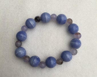 Hand Crafted Blue Beaded Stretch Bracelet.