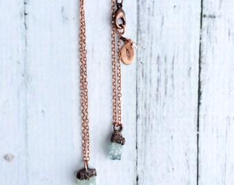 Delicate aquamarine crystal necklace | Dainty aquamarine gemstone jewelry | March birthstone necklace | Raw aquamarine birthstone pendant