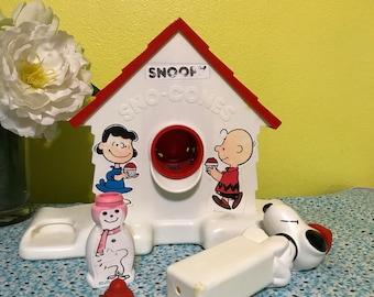 1970s-1989s Snoopy Sno-cone Machine, Vintage