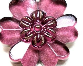 """FLOWER Czech glass BUTTON, BLOSSOM in purple, 7/8"""", 22mm."""