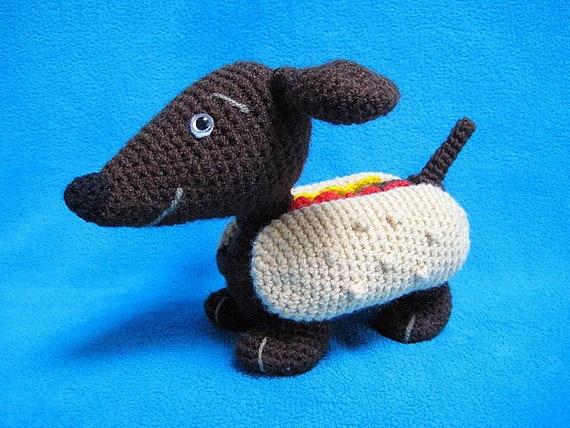 Amigurumi Wiener Dog Pattern : Wiener dog dachshund hot dog amigurumi crochet pattern pdf toy