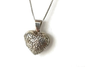 Heart Locket Necklace, Silver Locket, Something Old, Vintage Heart Jewelry, Bridal Necklace, Wedding Jewelry, Gift for Bride, Maid of Honor