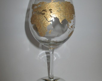 World Map/Compass Red Wine Glass