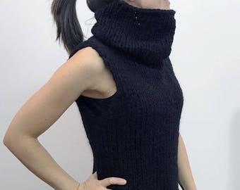 ONICE, the sleeveless turtleneck sweater