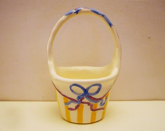 "Ceramic Easter Basket Handcrafted and Hand Painted by Andrea West for Sigma the Tastesetter 1984 -5.5"" X 5"" X 3.75"""