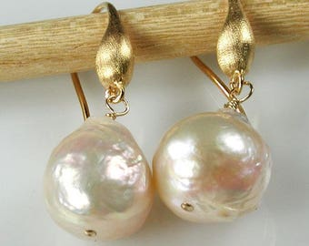 Ivory Kasumi-Like Baroque Pearls With Gold Dangle Earrings Cream Pearls