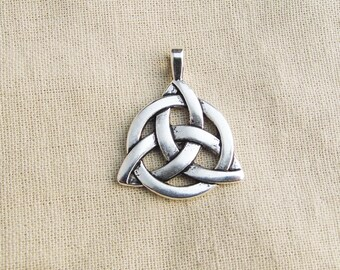 Shide silver knot pendant old 35 mm x 27 mm